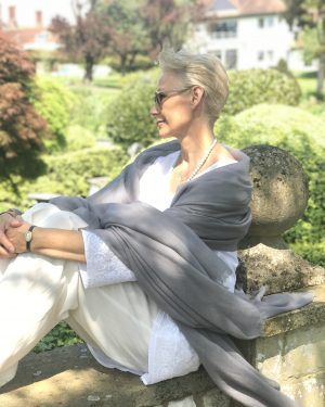 SUPERFINE OVERSIZED CASHMERE WRAP - ASH GREY