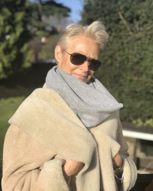 CASHMERE SNOOD - LIGHT GREY