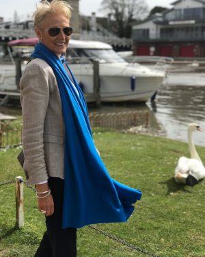 CASHMERE CLASSIC WRAP - PERSIAN BLUE