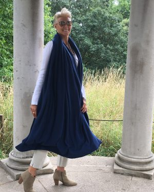CASHMERE OVERSIZED WRAP - NAVY