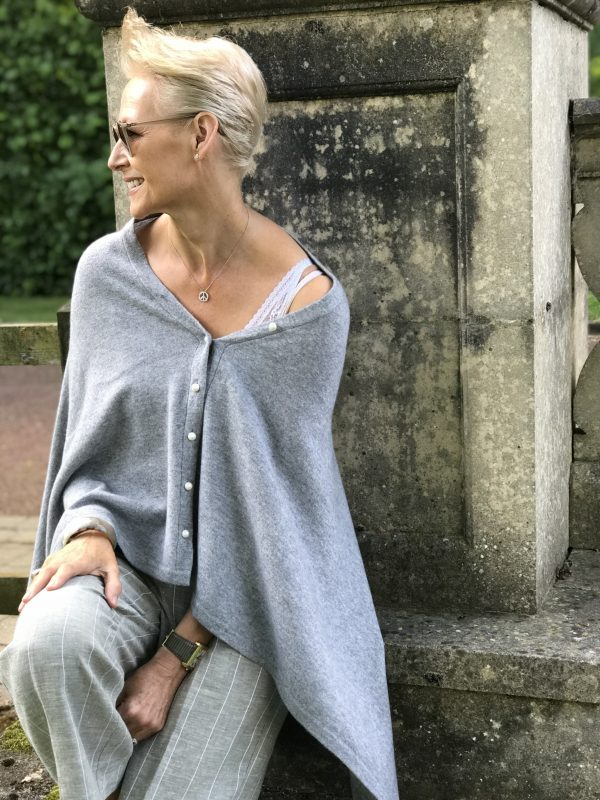 PEARL BUTTONED PONCHO - GREY