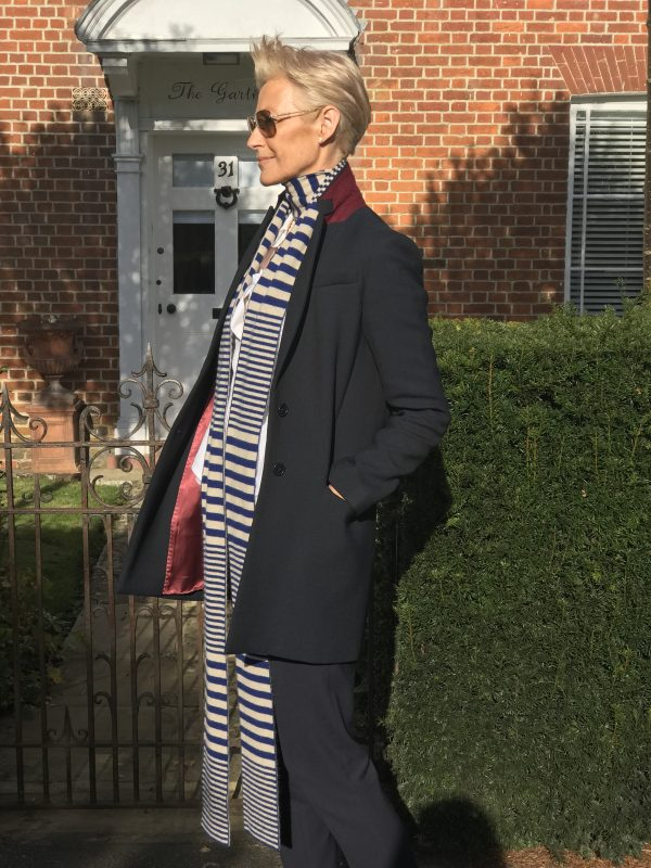 CASHMERE STRIPED SCARF - NAVY/LATTE