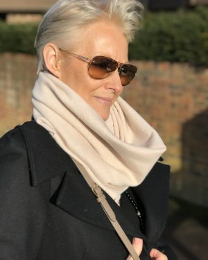 CASHMERE SNOOD - IVORY